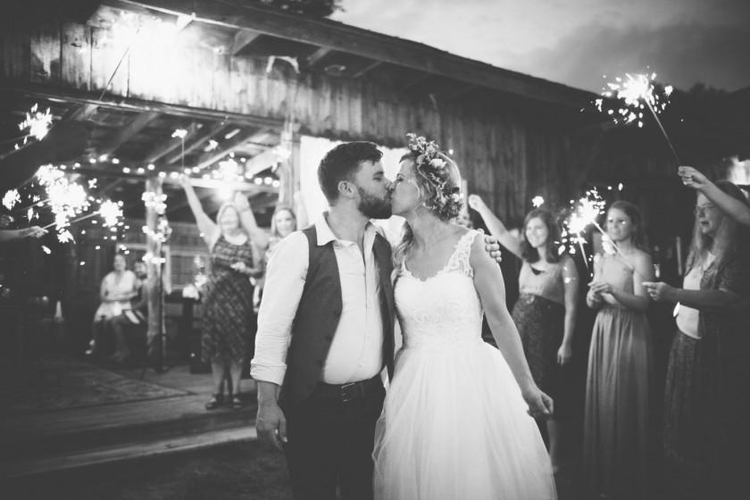 2-Kait-August-Photography-arizona-wedding-photographer-mountains-destination-wedding-photographer-west-coast-wedding-photographer-bohemiane-ngagement-pictures-northcarolina-banner-elke